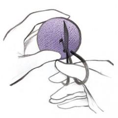 Prakirpkite skylutę su žirklėmis apie 1 – 1,5 cm